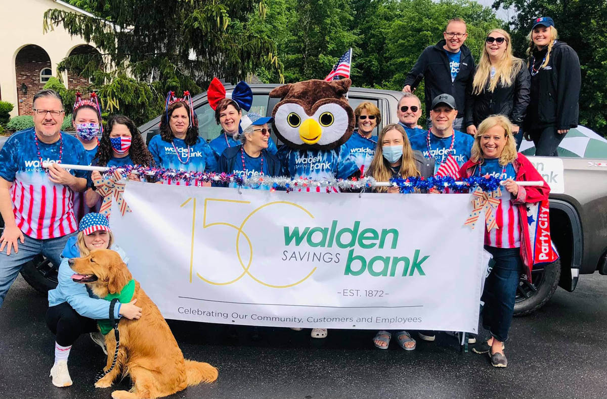 WALDEN SAVINGS BANK PARTICIPATES IN CIRCLEVILLE PARADE
