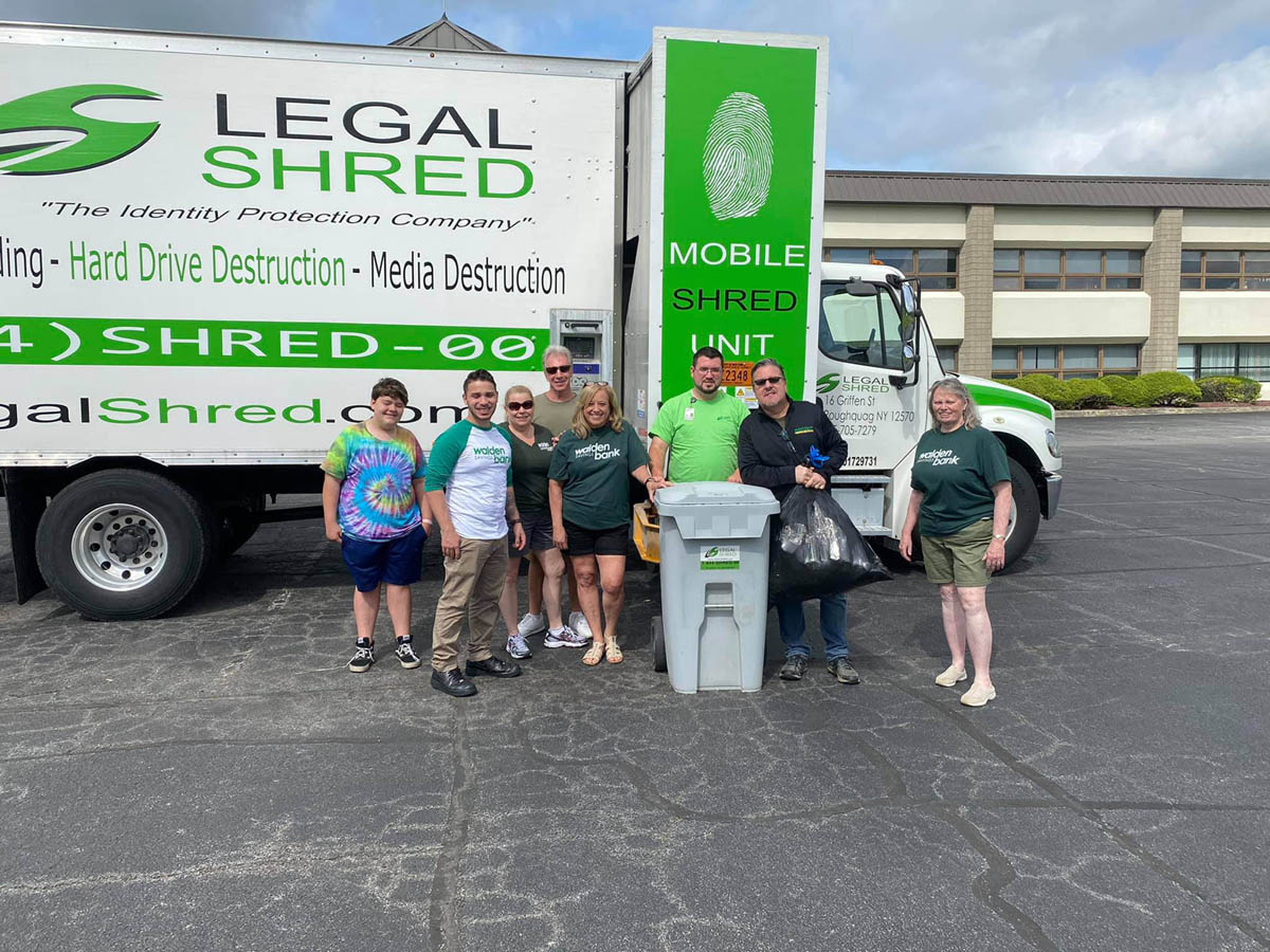 WALDEN SAVINGS BANK HOLDS FREE COMMUNITY SHRED DAY
