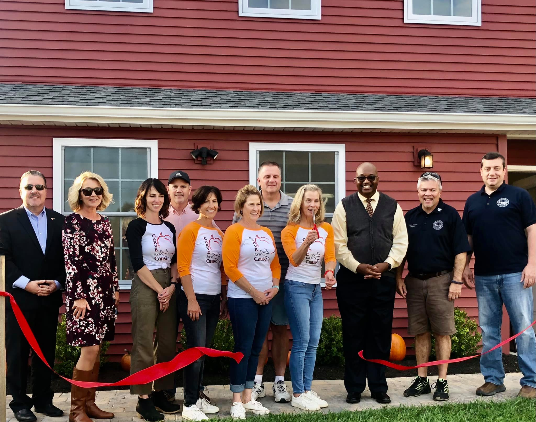WALDEN SAVINGS BANK ATTENDS RIBBON CUTTING CEREMONY